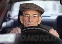 anziani guida patente anziano (3)