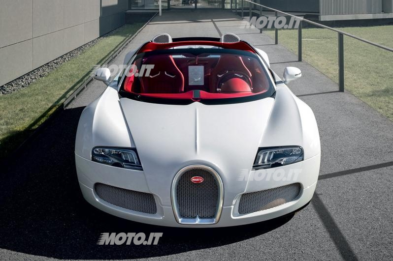 bugatti veyron grand sport wei long 2012 news. Black Bedroom Furniture Sets. Home Design Ideas