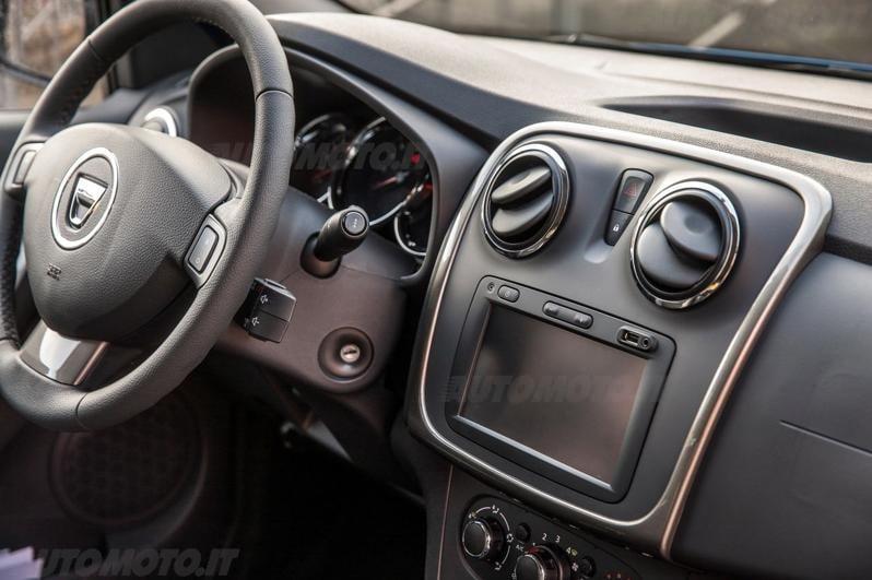 Dacia Sandero Stepway Turbo GPL - Prove - Automoto.it